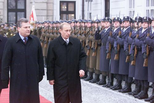 Vladimir Putin og Aleksander Kwasniewski i Polen, 2002.