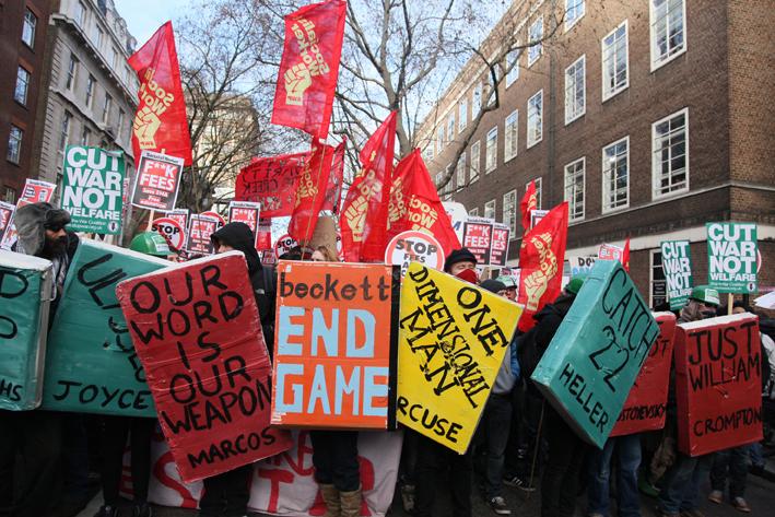 Book Bloc i London: Rettigheder: Indymedia.